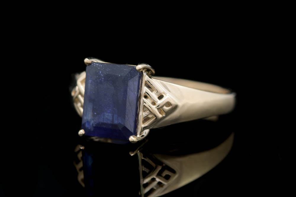 14K Yellow Gold and Glass-Filled Blue Sapphire Ring