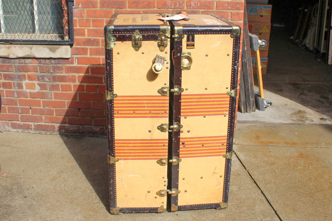 oshkosh trunks inc vintage wardrobe steamer trunk