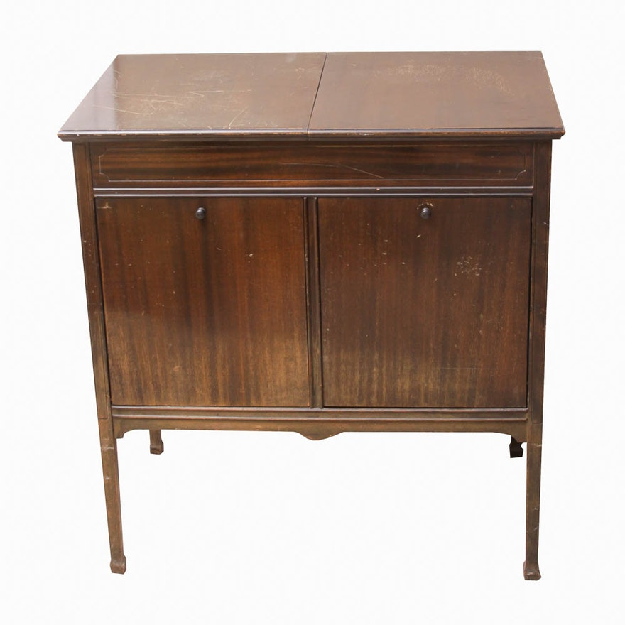 Vintage Sonora Record Player and Cabinet With Records ... - Vintage Sonora Record Player And Cabinet With Records : EBTH