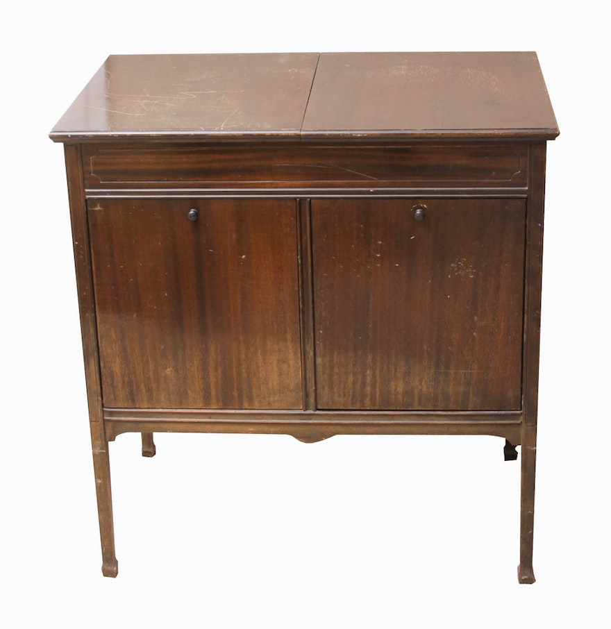 Cabinet Record Player Vintage Sonora Record Player And Cabinet With Records Ebth