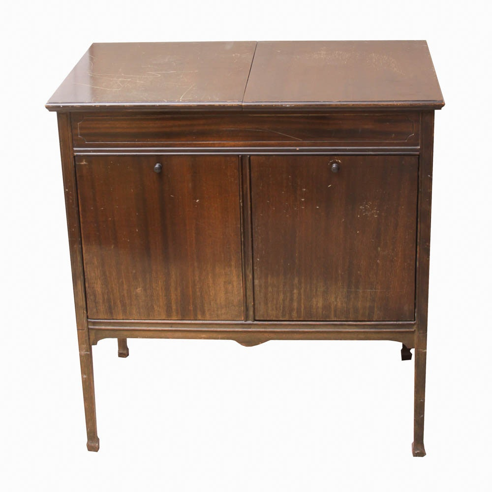 Vintage Sonora Record Player And Cabinet With Records ...