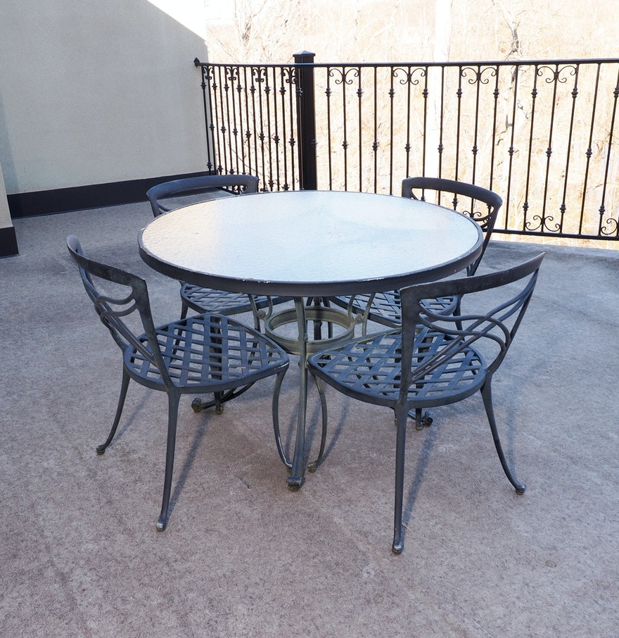 Cast Aluminum Patio Table And Chairs By BrownJordan  EBTH - Jordan outdoor furniture