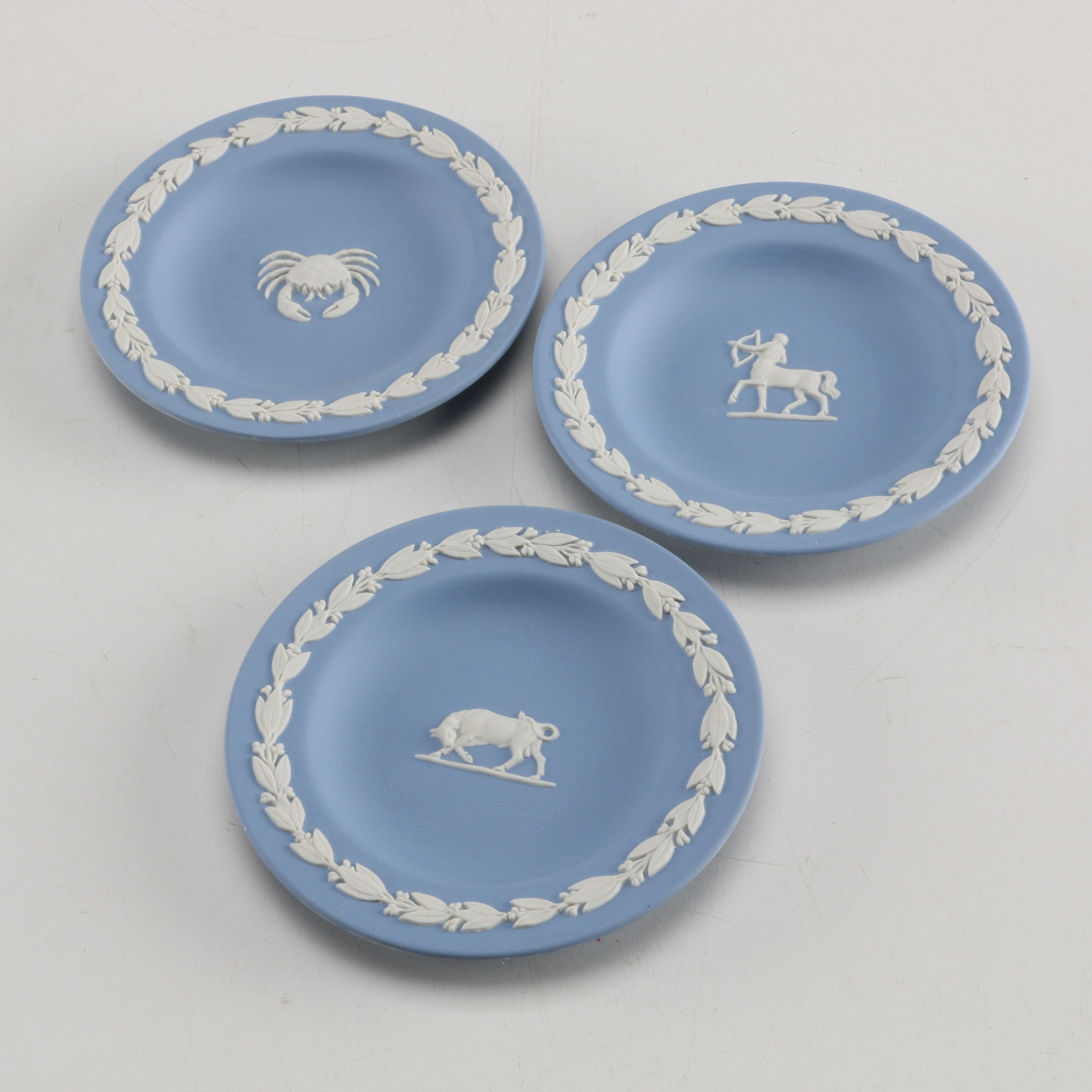 Three Small Wedgwood Zodiac Decorative Plates ...  sc 1 st  EBTH.com & Three Small Wedgwood Zodiac Decorative Plates : EBTH