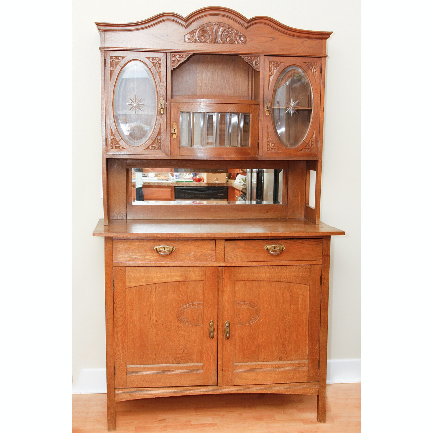 Victorian Oak Sideboard with Hutch