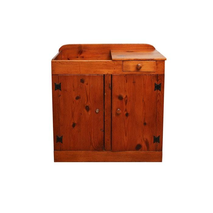 Rustic Pine Dry Sink