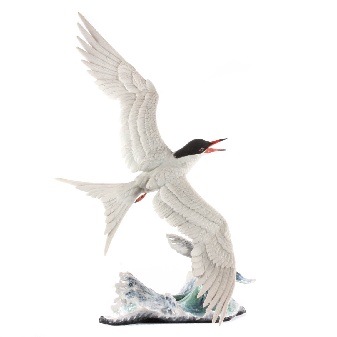 "Boehm Limited Edition Porcelain Figurine ""Forster's Tern On the Wing"""