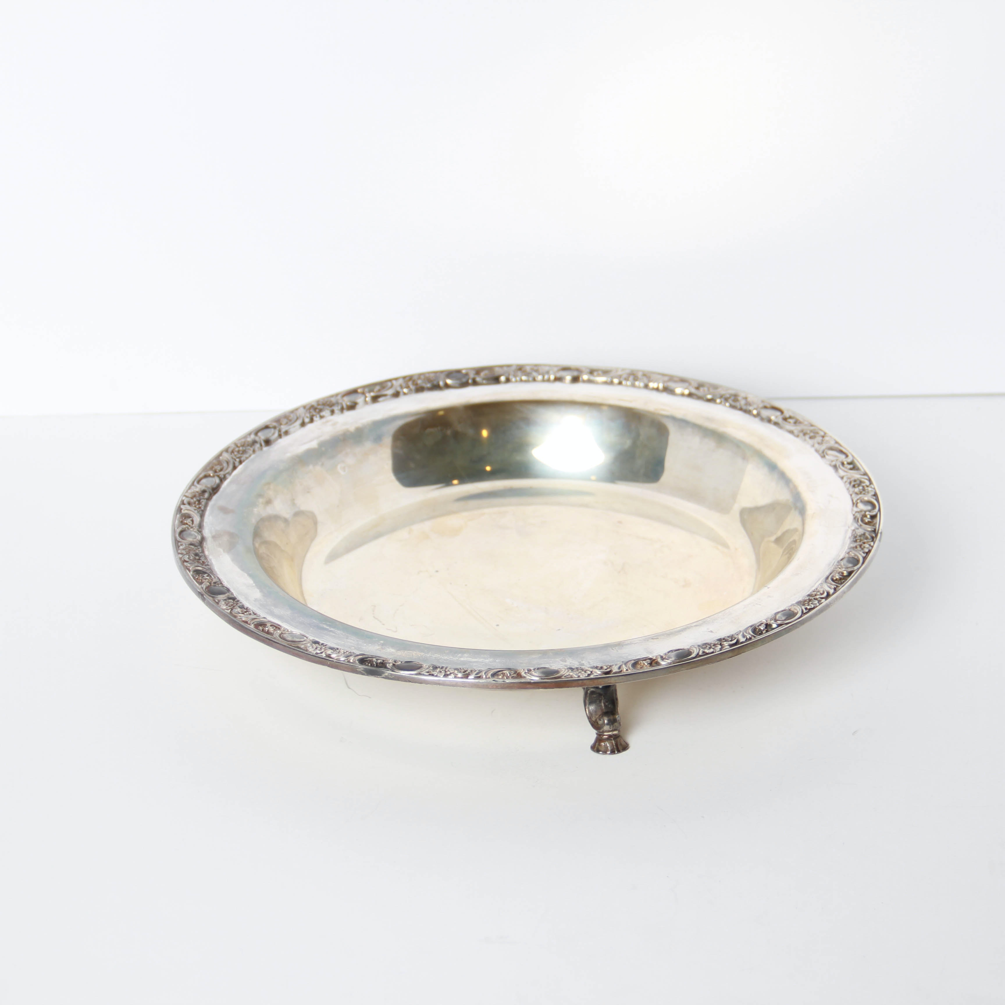 """Wm. Rogers & Son """"Victorian Rose"""" Silver Plate Serving Platter"""