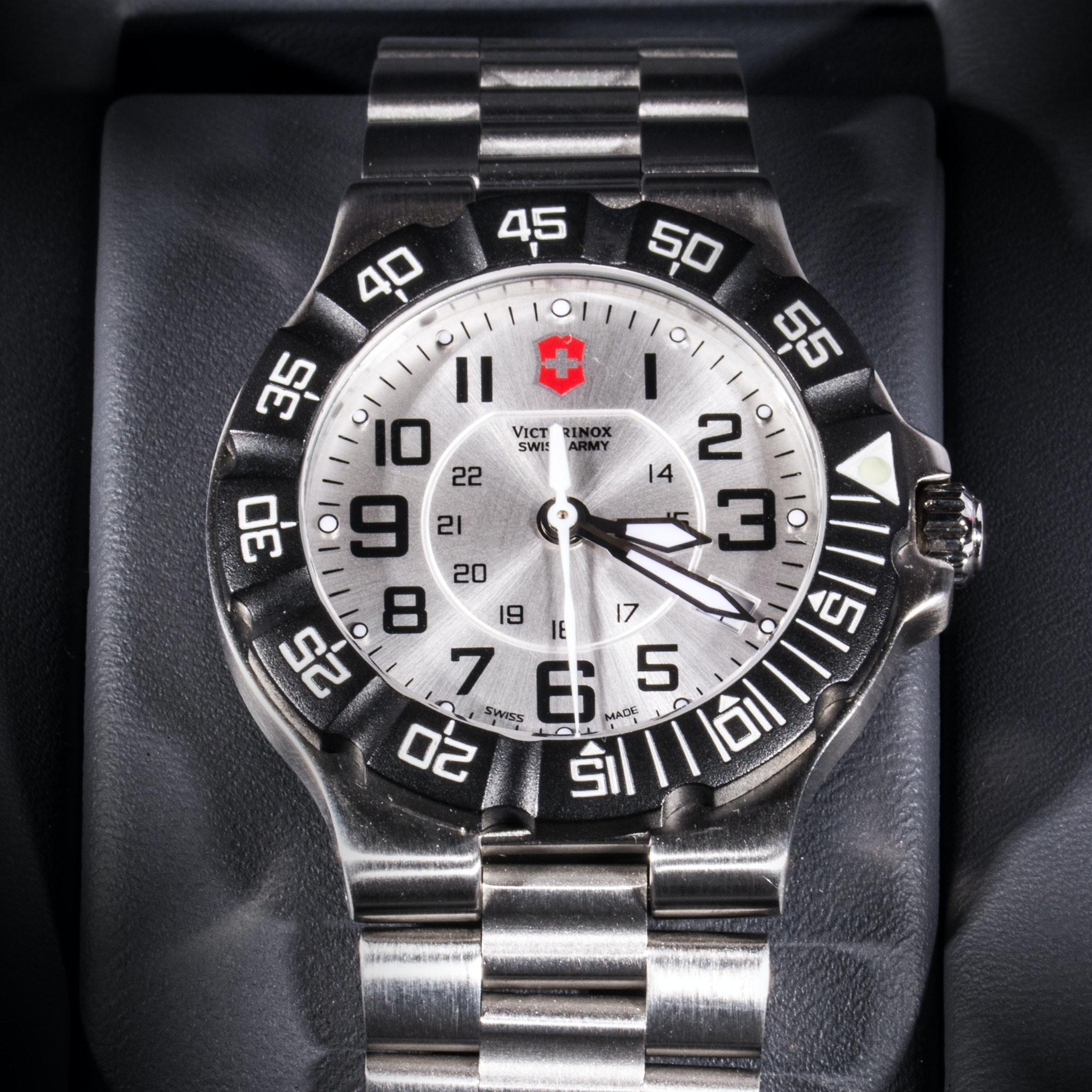 Men's Victorinox Swiss Army Wristwatch