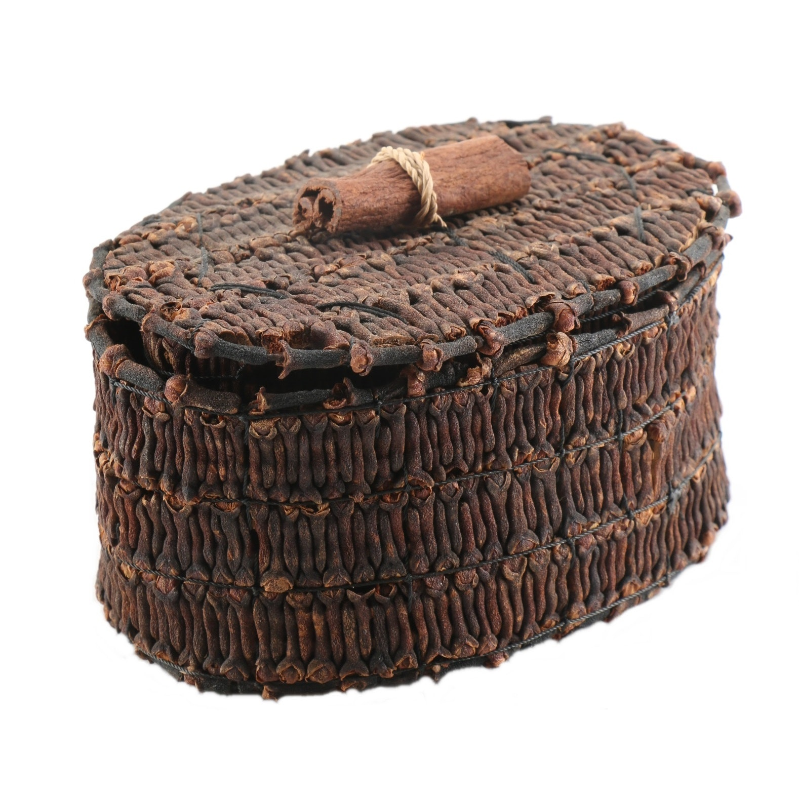 Woven Clove Basket With Lid