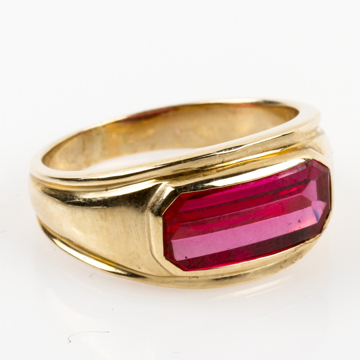 14K Yellow Gold and Synthetic Ruby Band