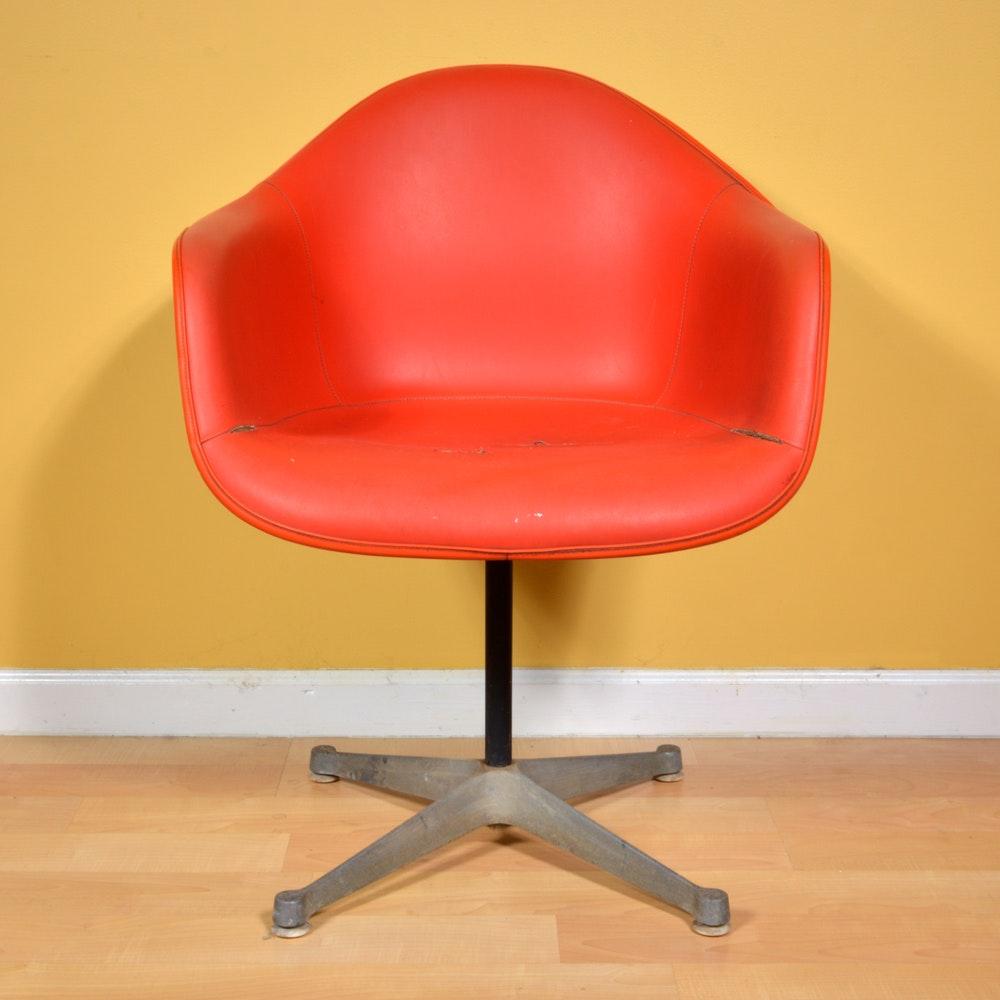 Vintage Mid-Century Herman Miller Style Swivel Shell Chair