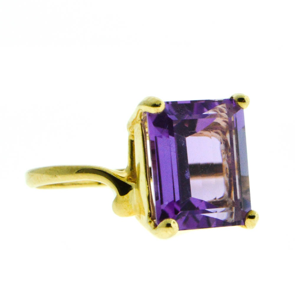 10K Yellow Gold 5.09 CTS Amethyst Solitaire Ring