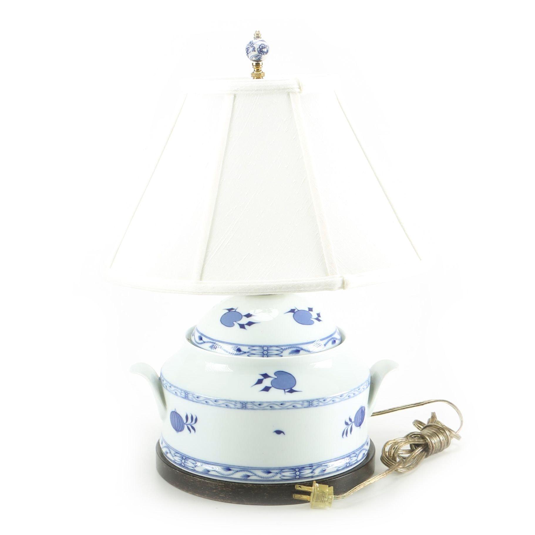 Vintage Blue & White Ceramic Lamp