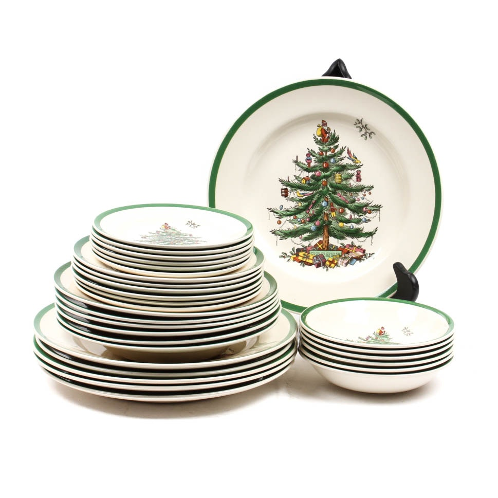 "Six Five-Piece Place Settings of Spode ""Christmas Tree"""