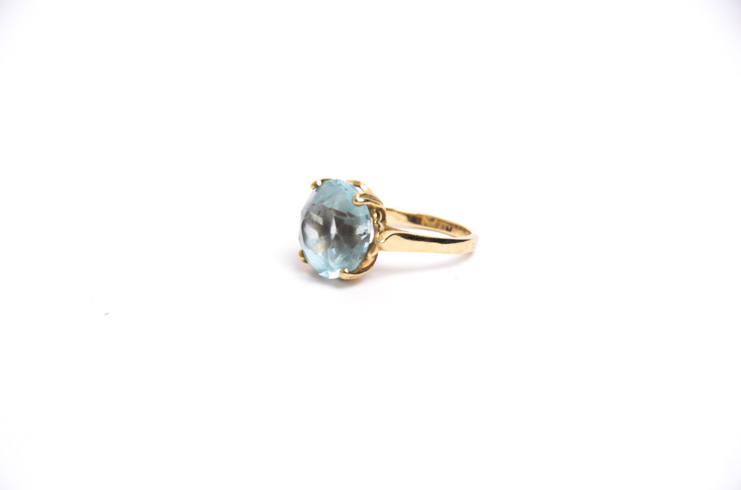 14K Gold and 11.00 CT Blue Topaz Ring