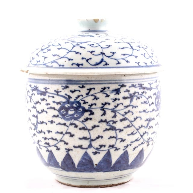 19th Century Chinese Blue and White Lidded Cannister