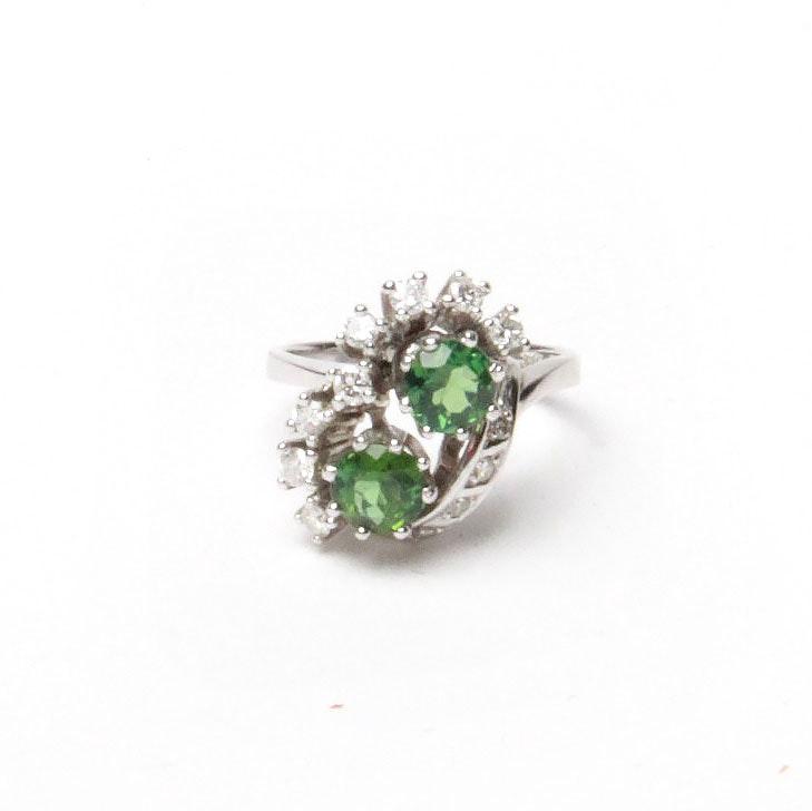 18K White Gold Green Tourmaline and Diamond Ring