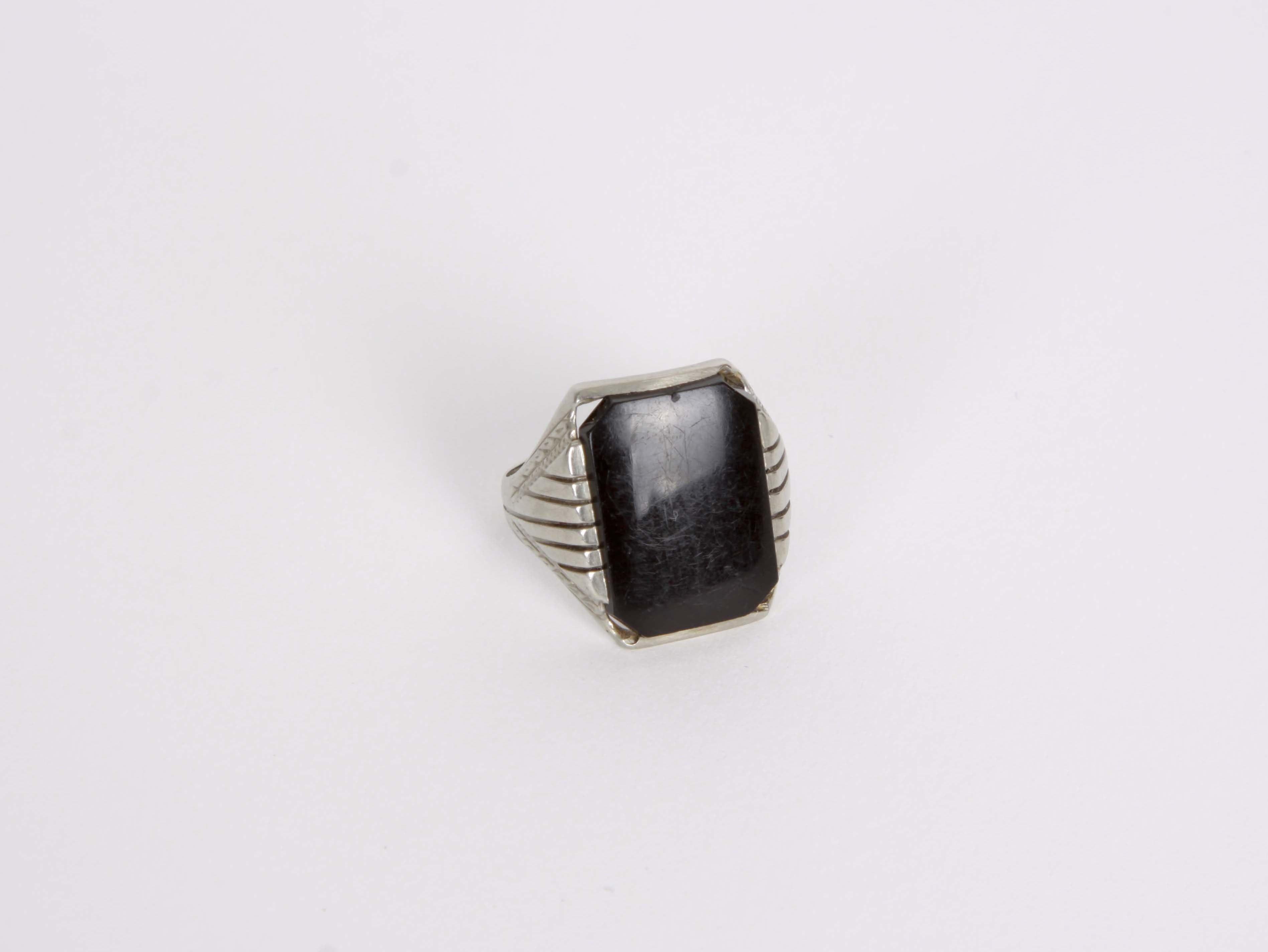 10K Gold Onyx Ring