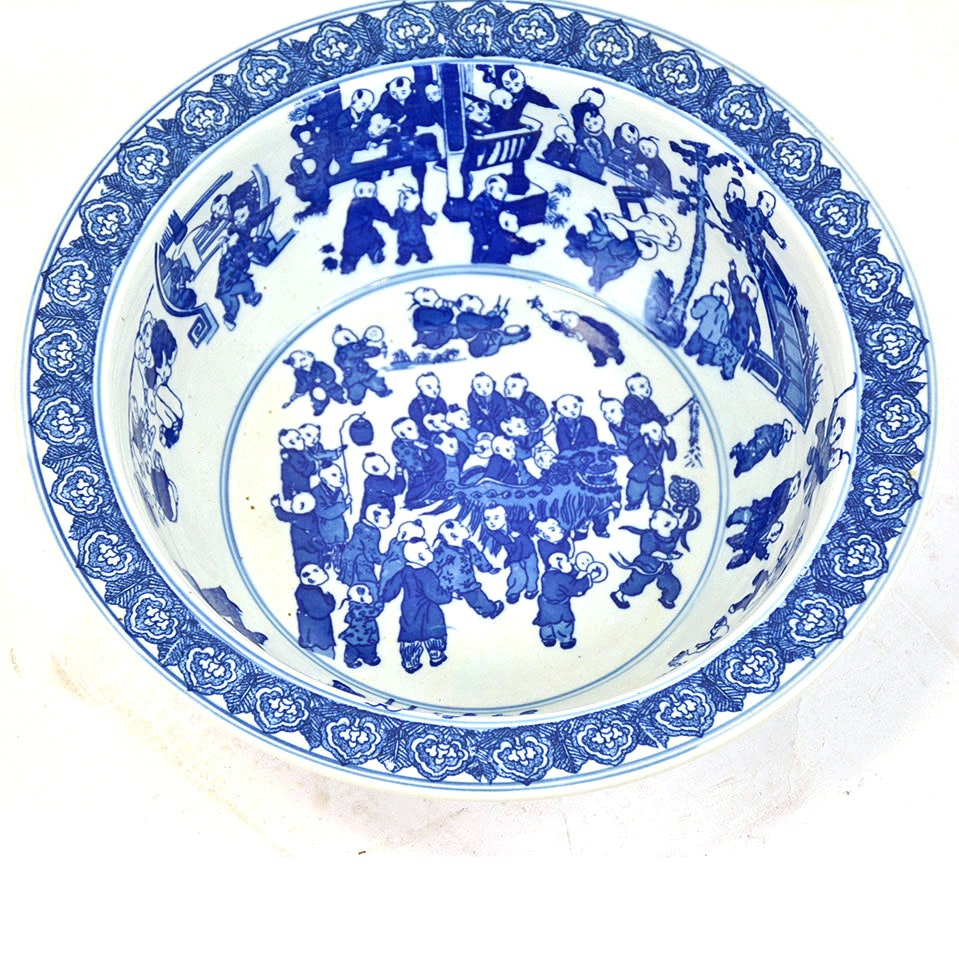 Vintage Large Chinese Porcelain Blue and White Bowl