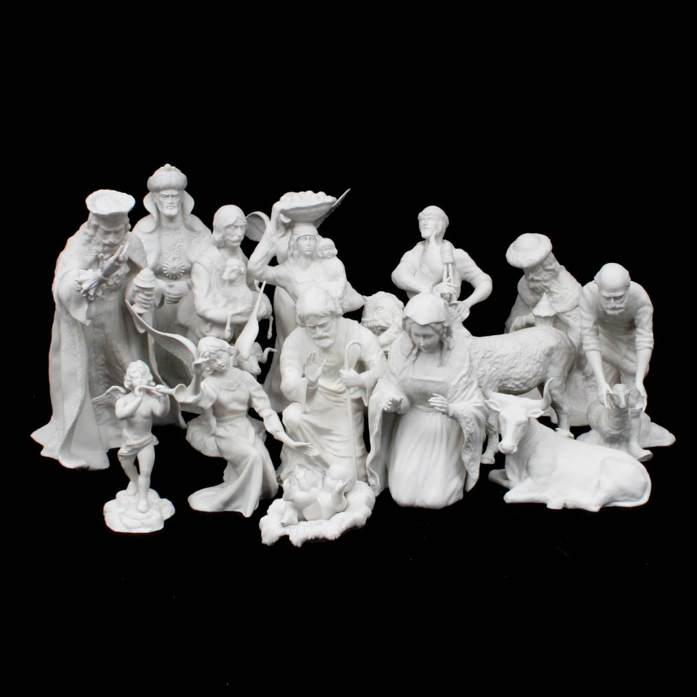 Boehm Porcelain Seventeen Piece Nativity Scene