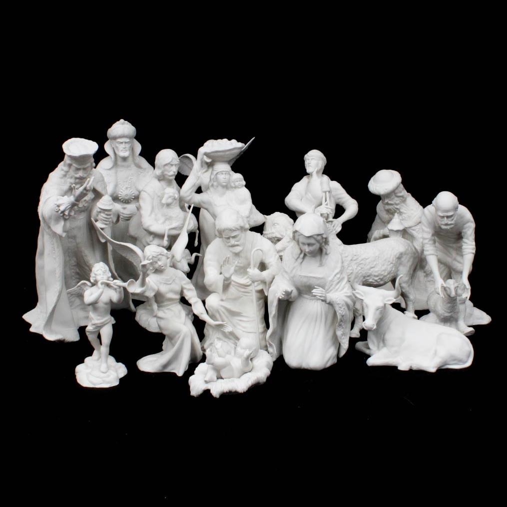 Boehm Porcelain Seventeen Piece Nativity Scene