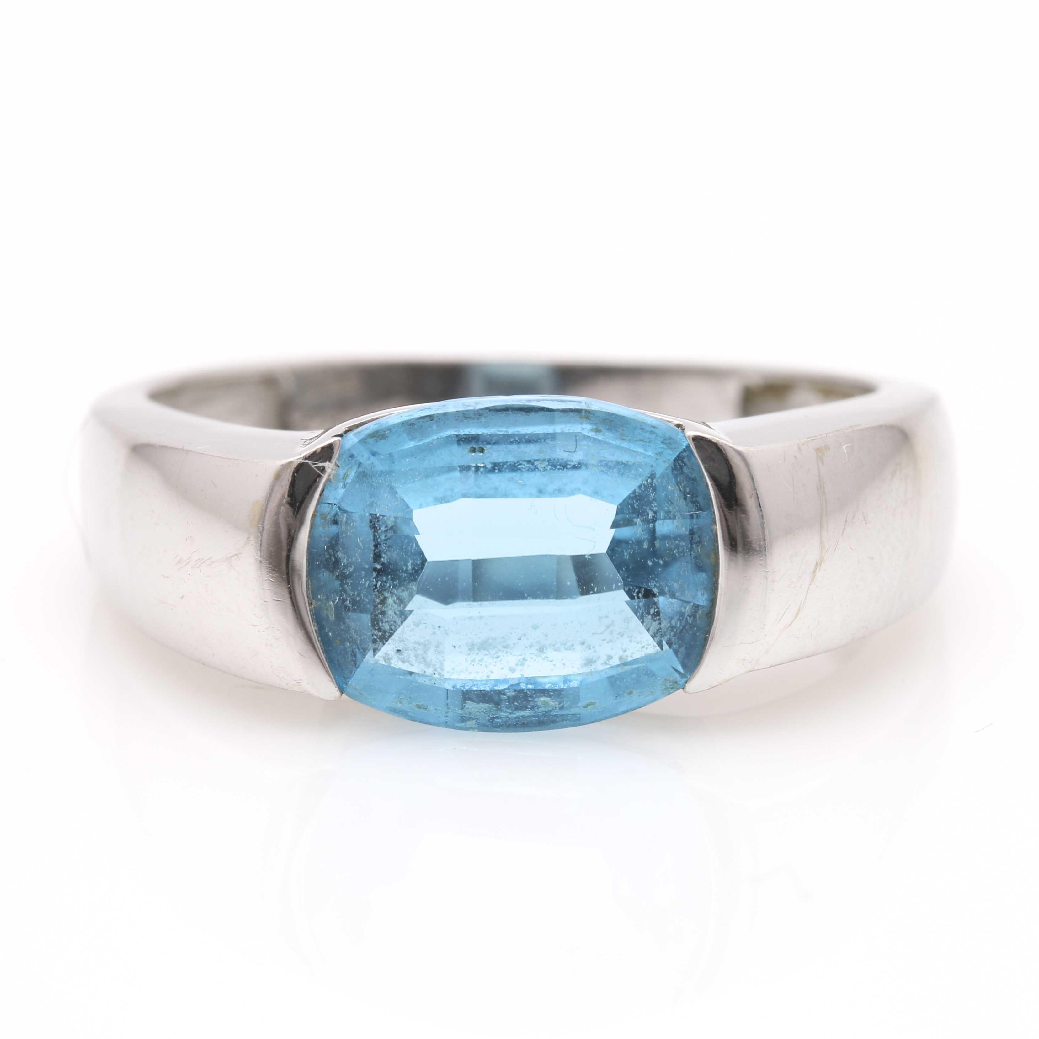 18K White Gold Topaz Ring