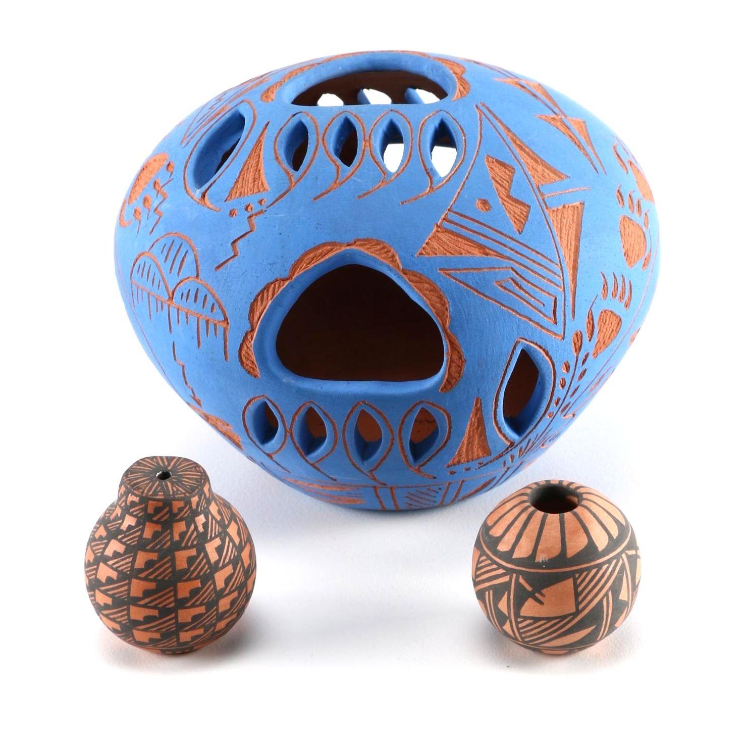 Pueblo Style Pottery by Susan Sarracino and J.S Lewis