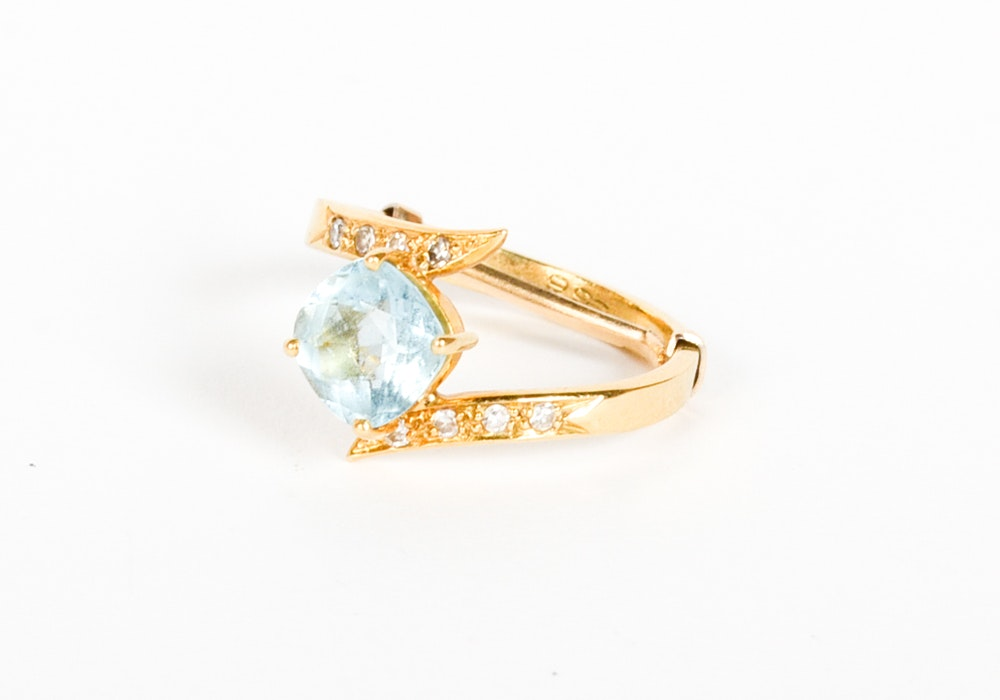 18K Yellow Gold 1.22 CT Aquamarine and Diamond Ring