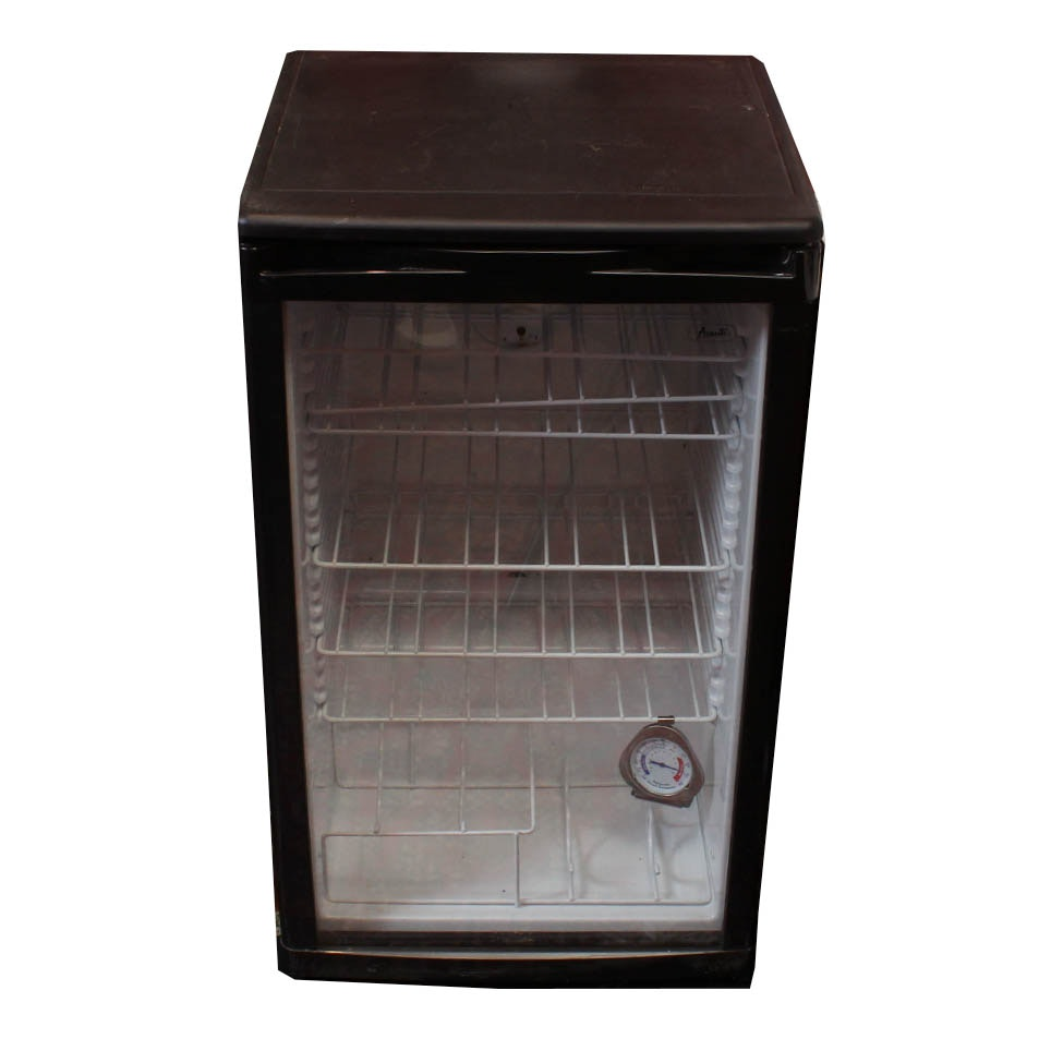 Avanti Glass Door Front Wine Fridge