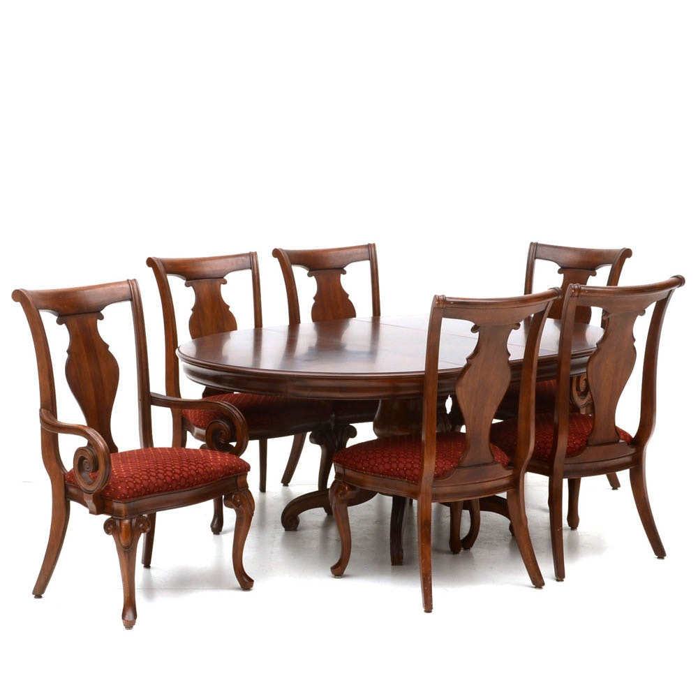 Round Pedestal Dining Table with Chairs
