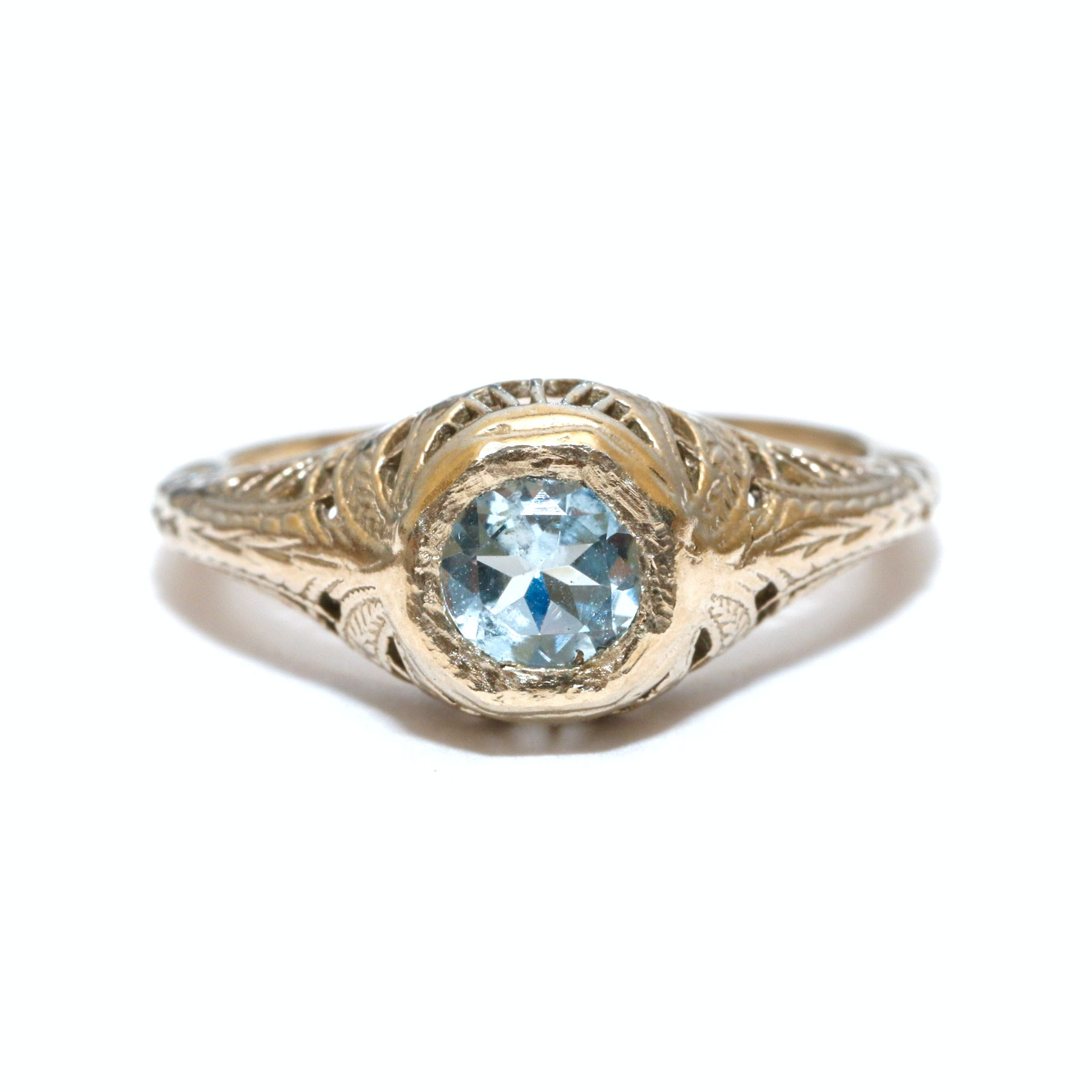 14K Yellow Gold Aquamarine Filigree Ring