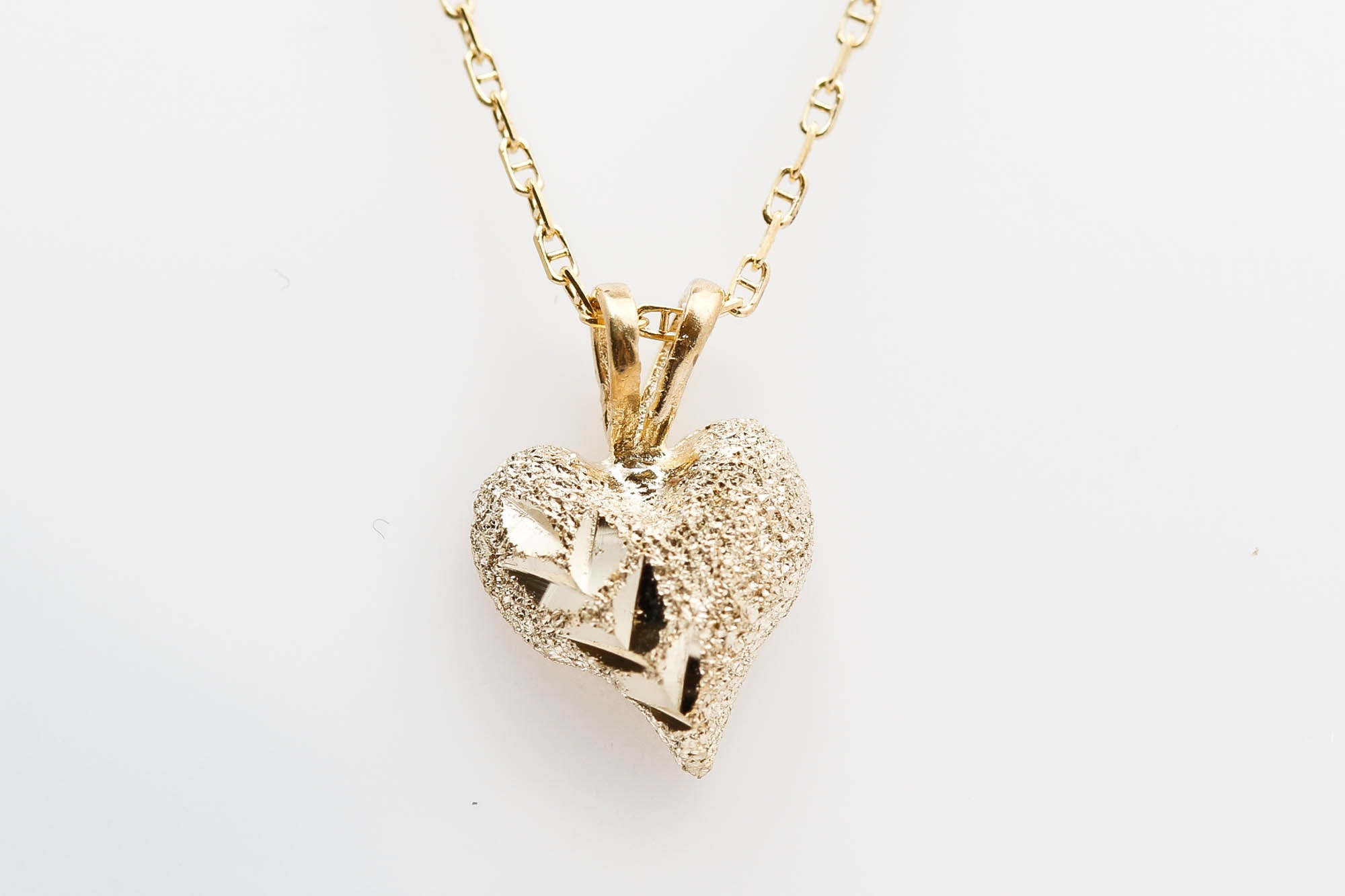 Aurafin 4 14K Yellow Gold Heart Pendant Necklace