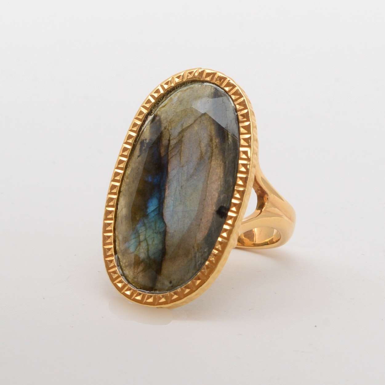 Milor 14K Yellow Gold Ladies Ring with Labradorite Center Stone
