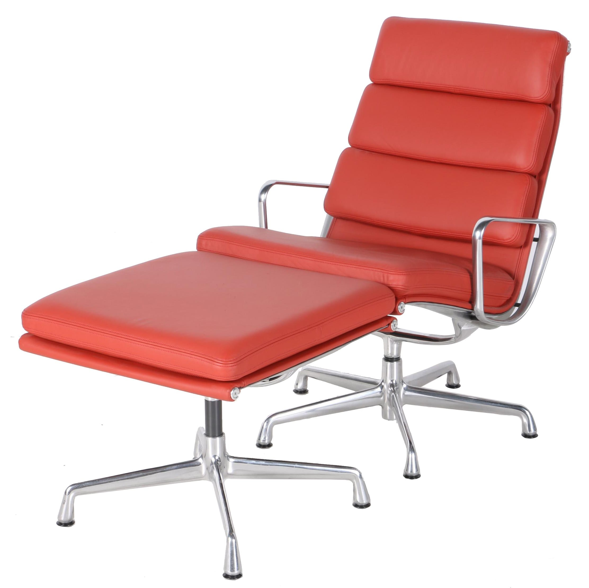 Herman Miller Eames Chair in Leather With Ottoman