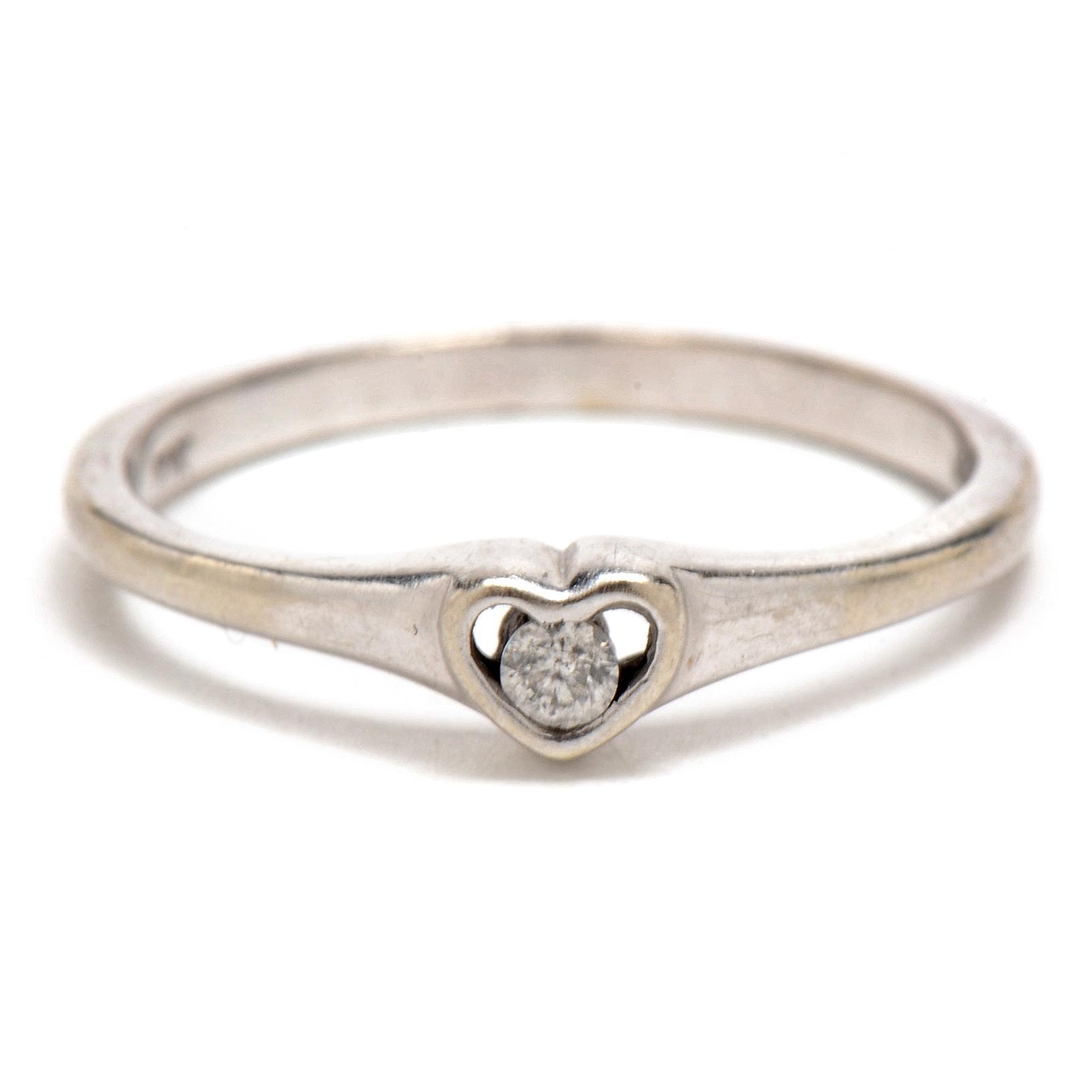 10K White Gold Diamond Solitaire Heart Ring