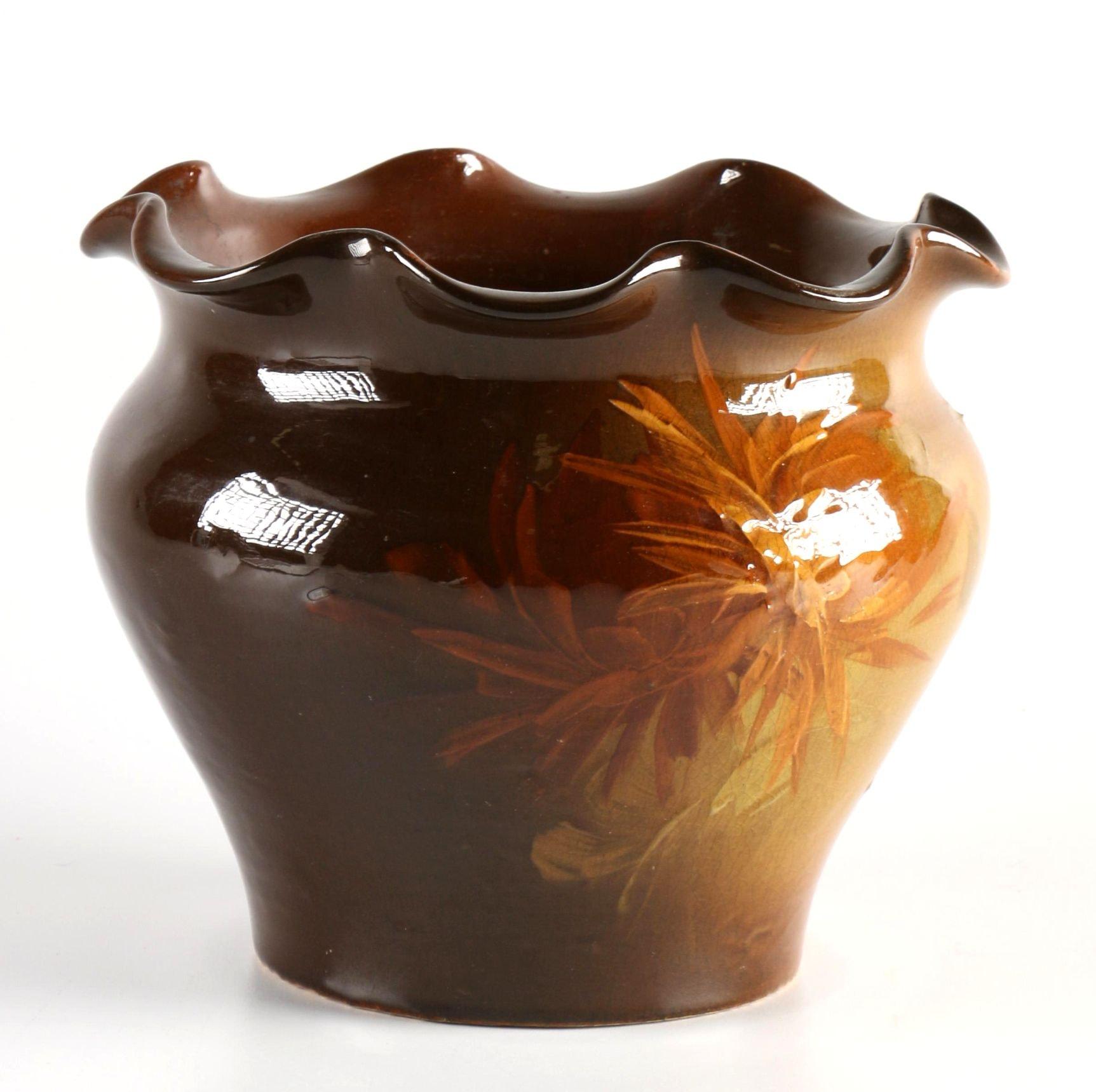 Scalloped Floral Vase