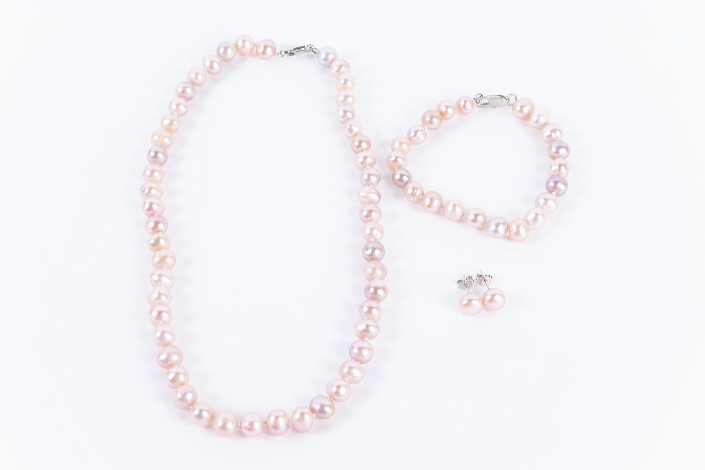 Freshwater Pearl Necklace, Bracelet and Earrings