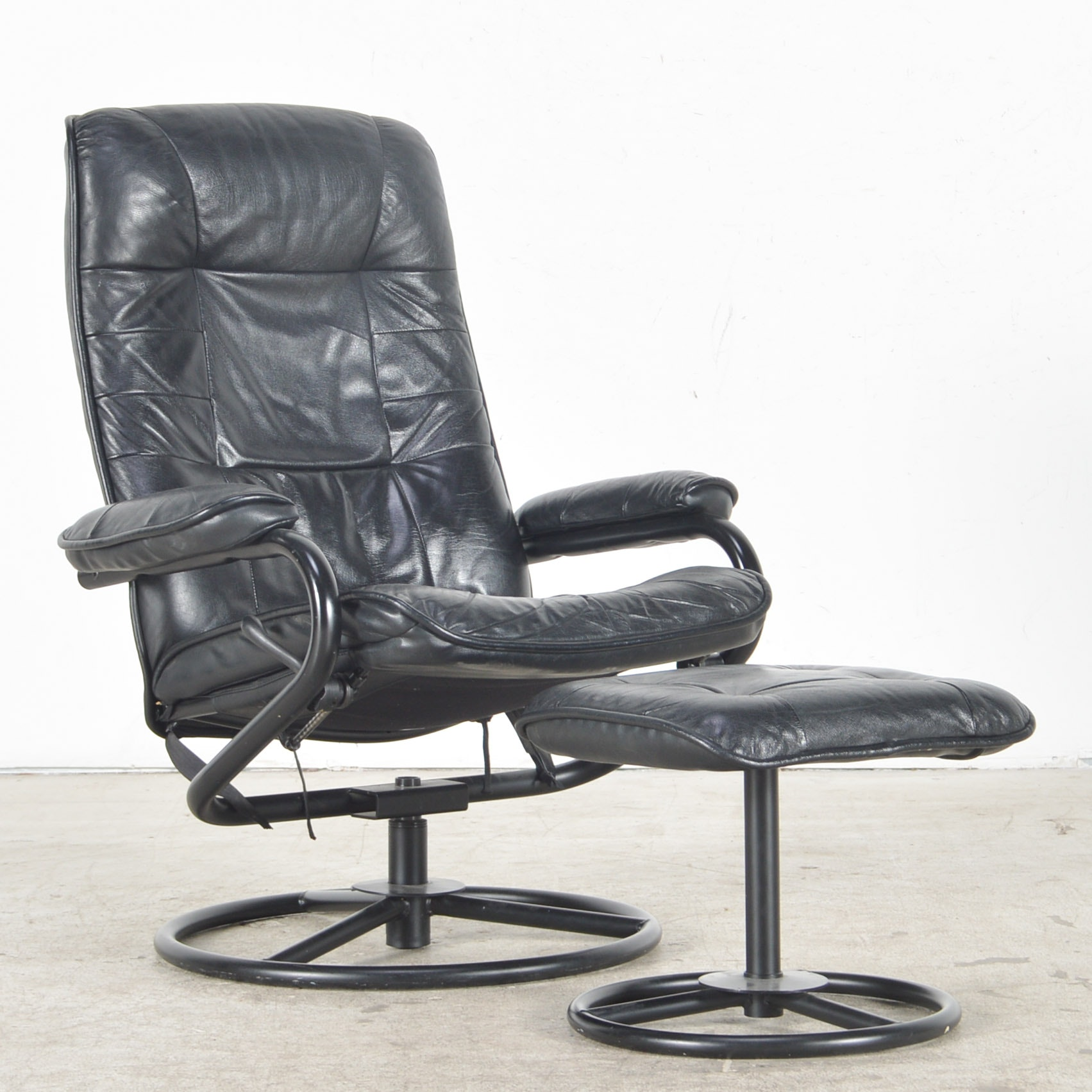 ChairWorks Reclining Leather Lounge Chair with Ottoman