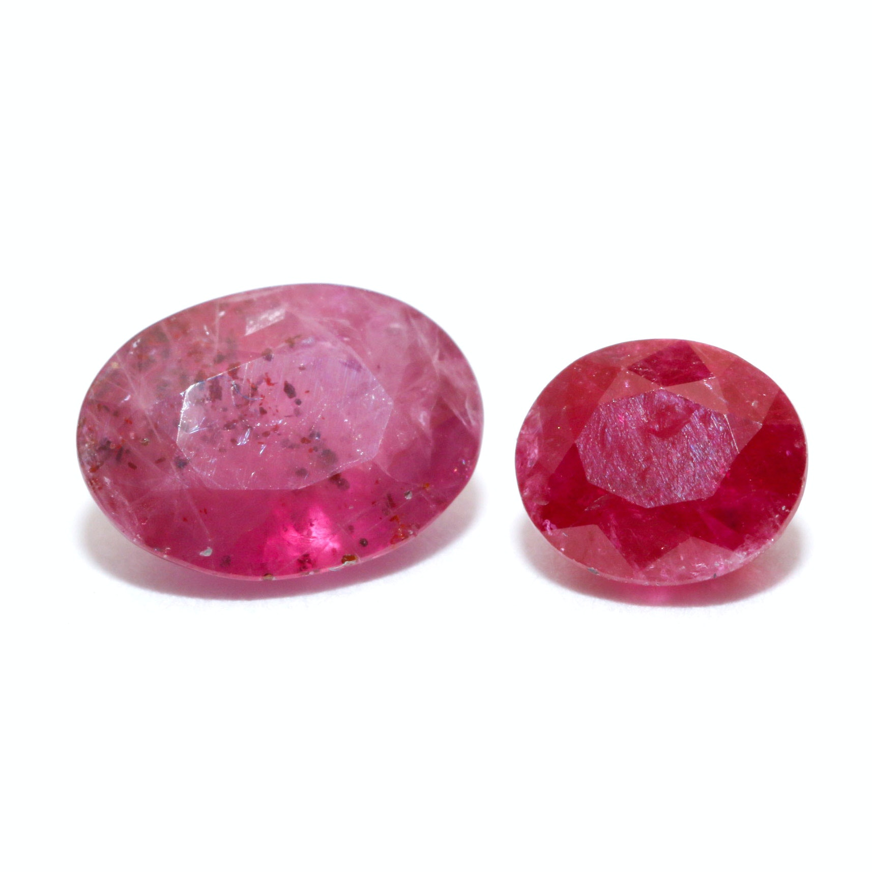 Pair of Loose 2.27 CTS Rubies
