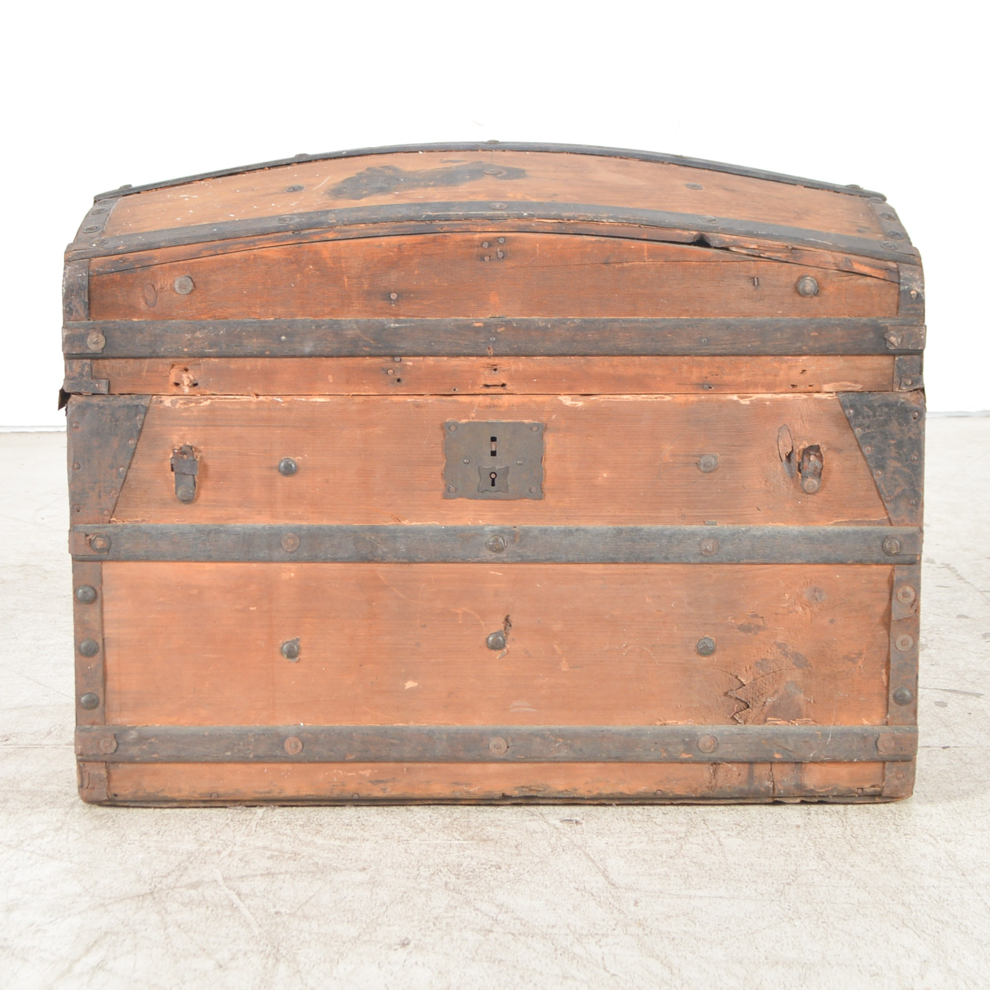 Antique Victorian Trunk