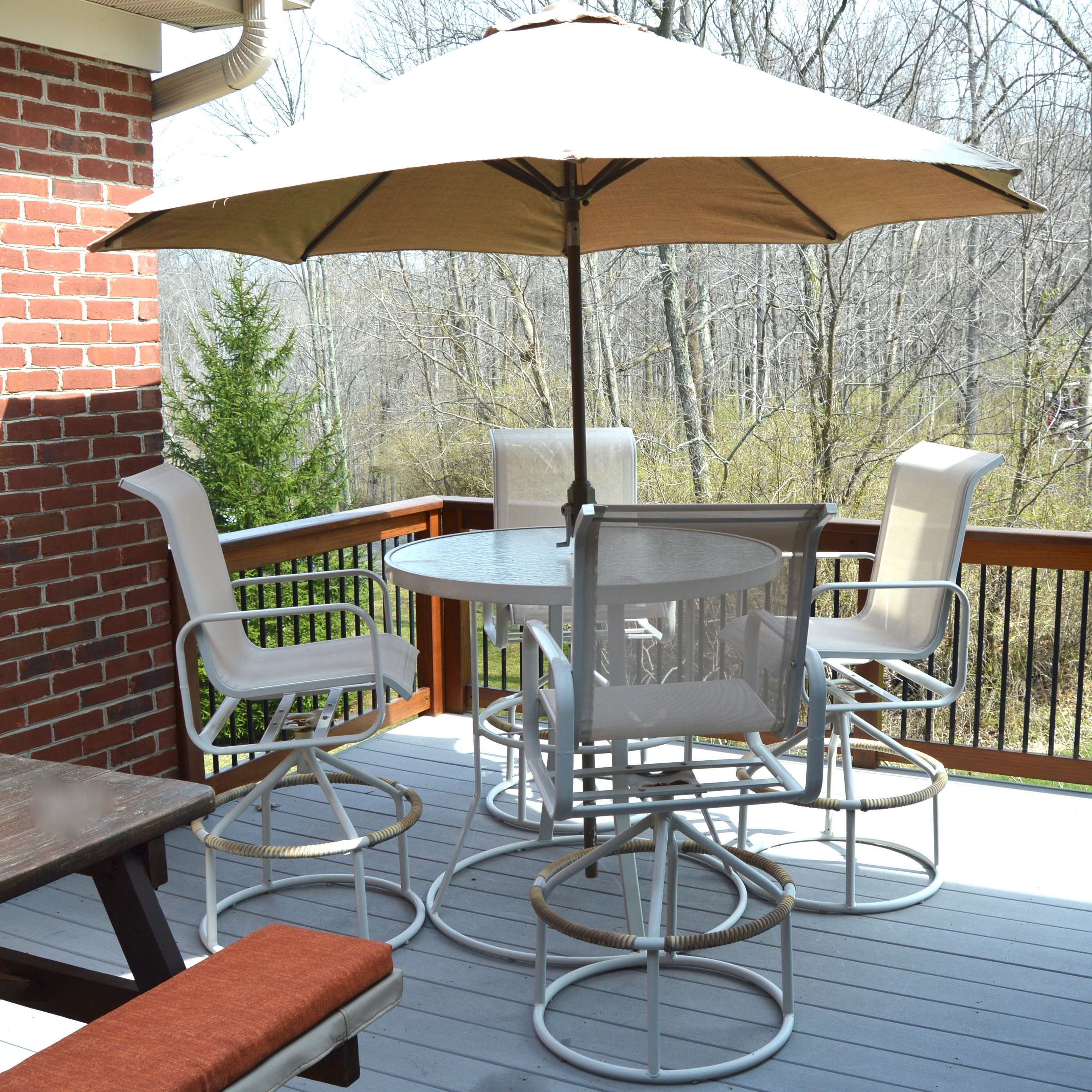 High Top Outdoor Suncoast Table and Chair Set with Umbrella EBTH