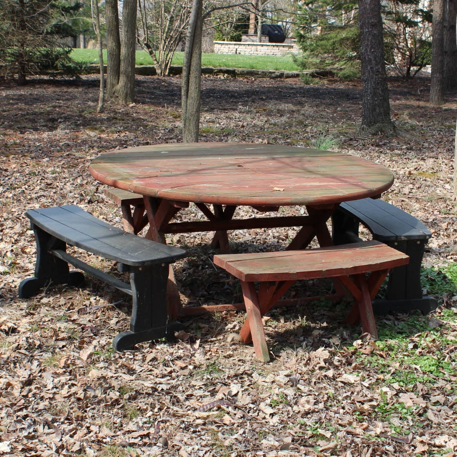 Round Redwood Picnic Table ...