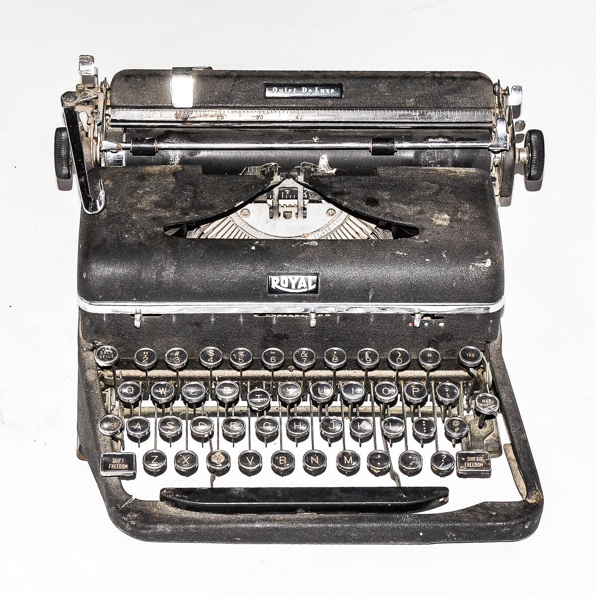 Royal Quiet de Lux Typewriter