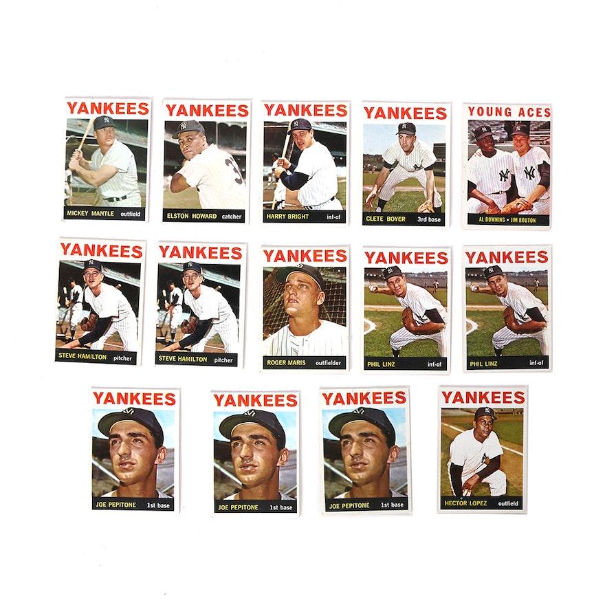 Yankees Baseball Cards Featuring Roger Maris Mickey Mantle And Joe Pepitone