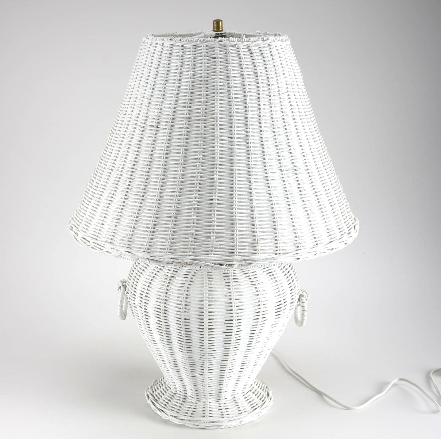 White Wicker Table Lamp Ebth