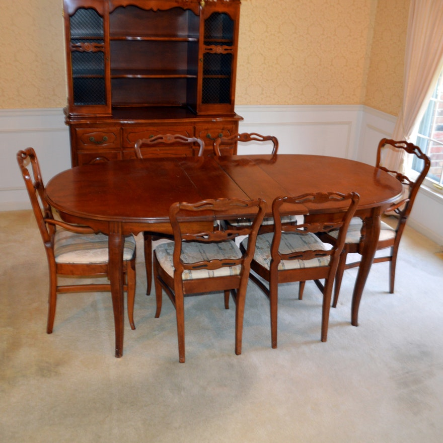 Cherry Table And Chairs: 1930s Phoenix Furniture Co. Cherry Dining Table And Chairs