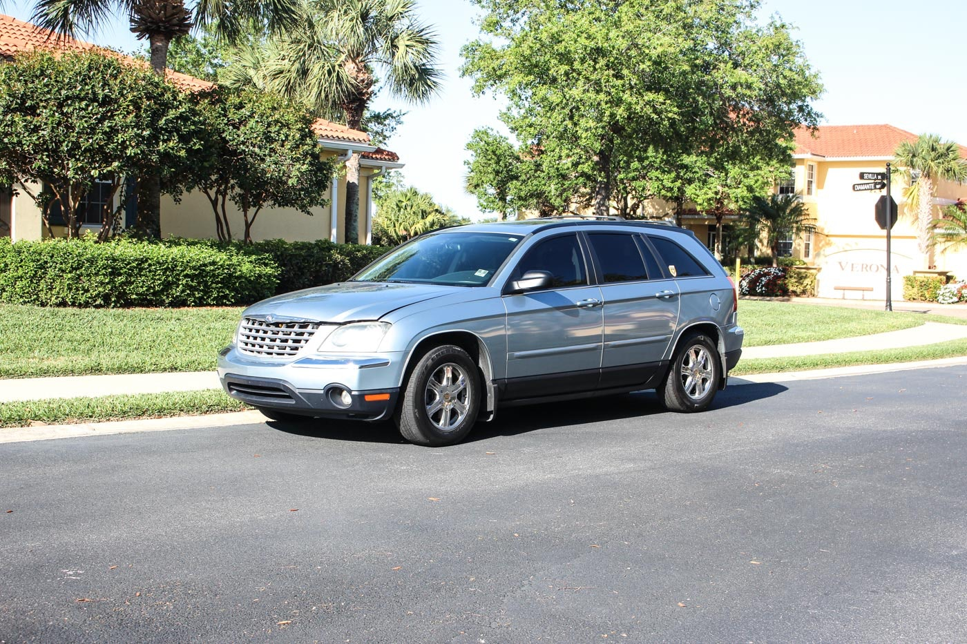 2004 Light Blue Chrysler Pacifica