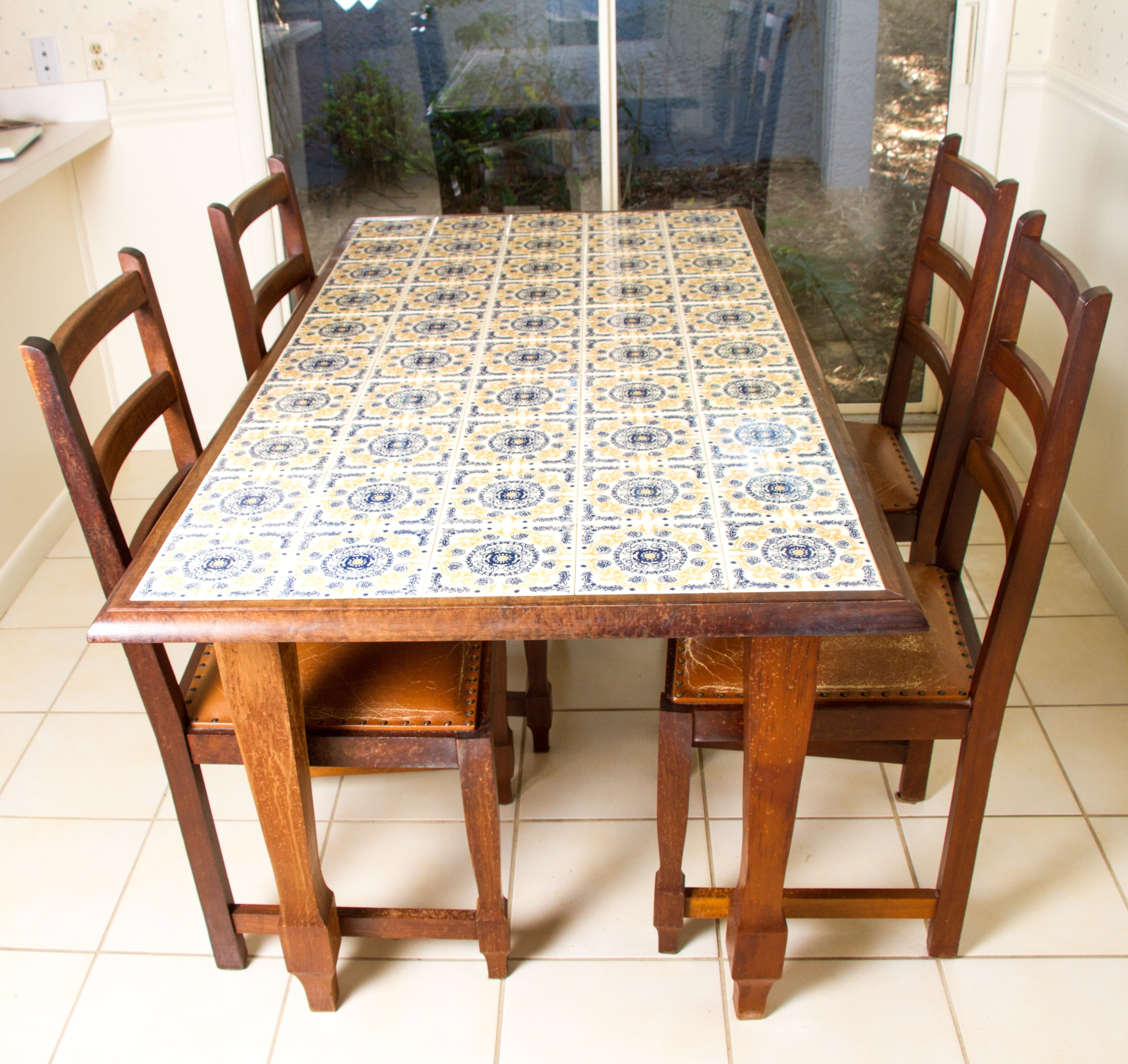 Charmant Spanish Tile Top Dining Table With Chairs ...
