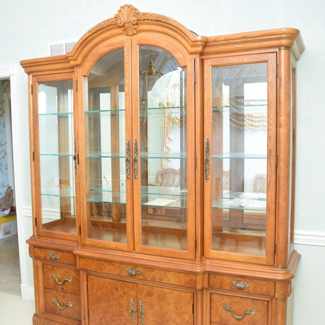 American Drew Lighted China Cabinet ...