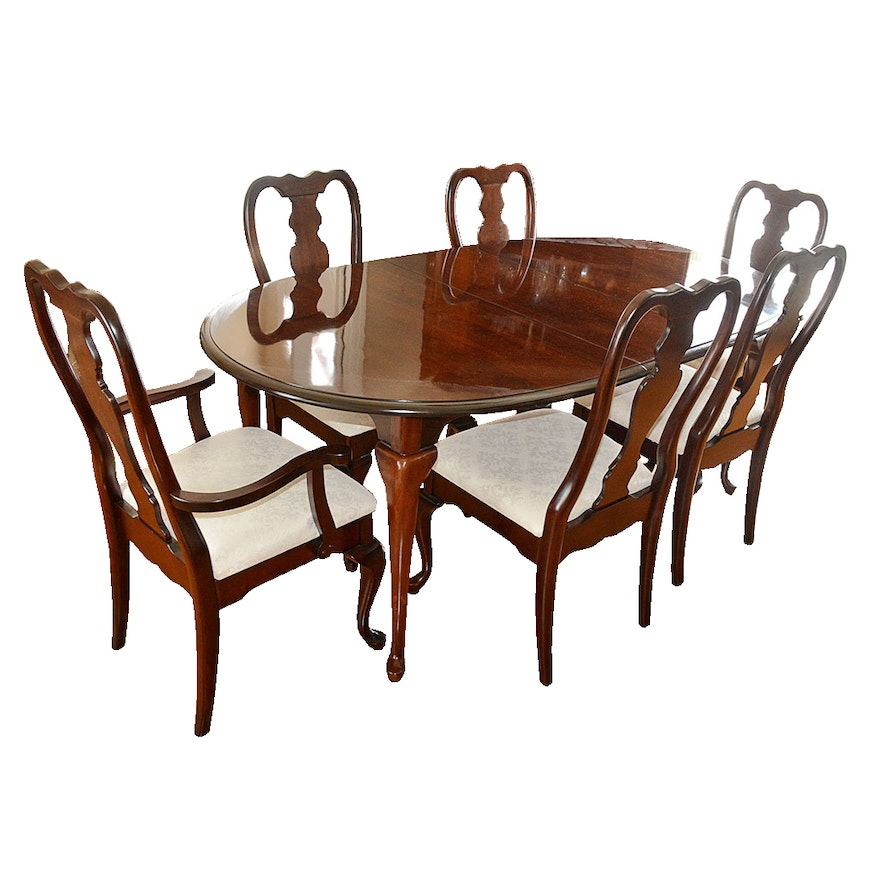 Queen anne style dining table and chairs by kincaid ebth for Queen anne furniture